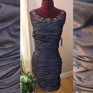 Stunning Cachet cocktail dress!